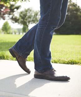 Porter un jean regular homme style