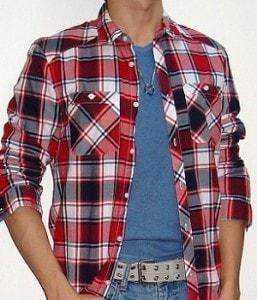 tee shirt sous chemise